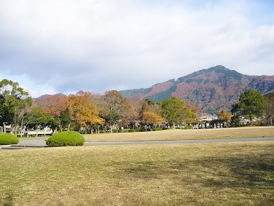 京都市・宝が池公園ウォーキング 比叡山の紅葉