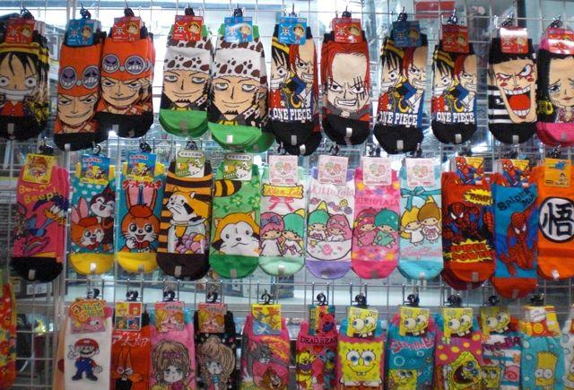 Manga anime pop culture società calzini