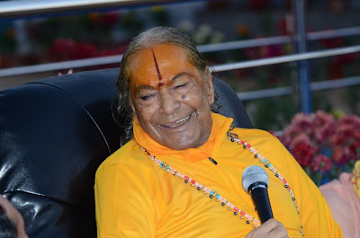 Quotes by Jagadguru Shree Kripaluji Maharaj