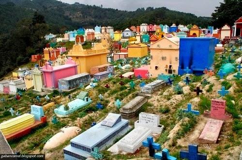Tanah Perkuburan Berwarna warni Paling Pelik di Dunia