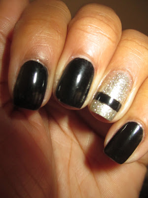 Rimmel Black Satin, Essie Beyond Cozy, glitter accent nail, black nails, nail art, nail design, mani