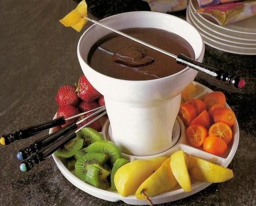 Sonhando e decorando qual o aparelho de fondue ideal - Fondue de chocolate ...