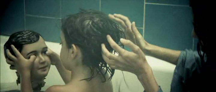 hierro 2009 film elena anaya gabe ibanez nightmare son diego doll bath