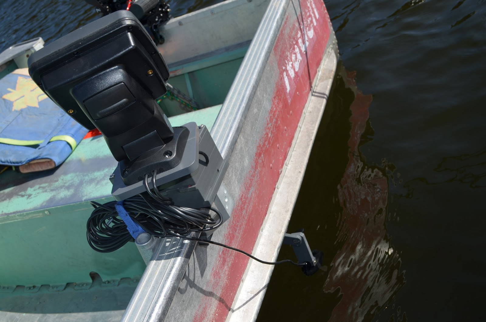 Fish finder and transducer mounting solutions the for Fish finder for jon boat