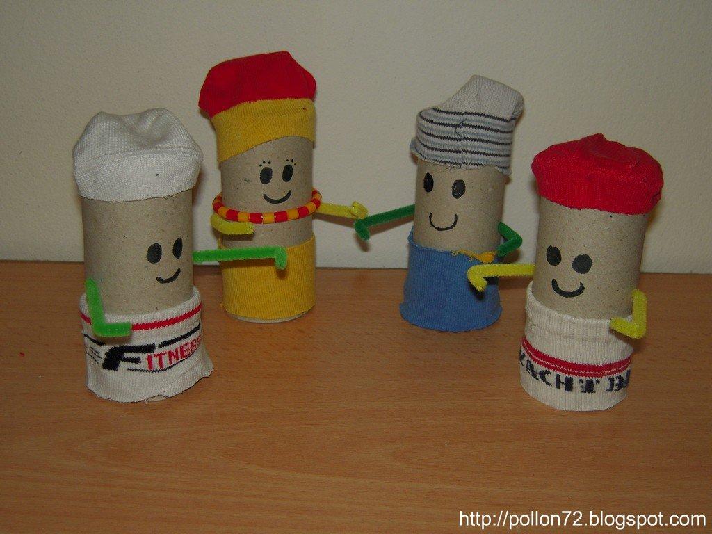 Pupazzi rotoli cartone e calzini