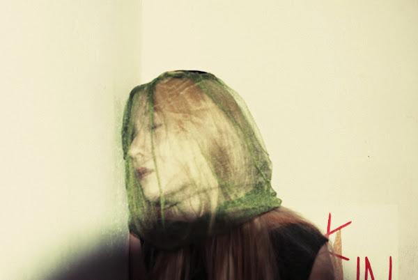 f(x) Krystal Red Light Concept