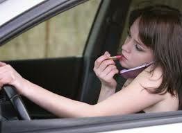 Δέκα χρήσιμες συμβουλές προς γυναίκες οδηγούς :