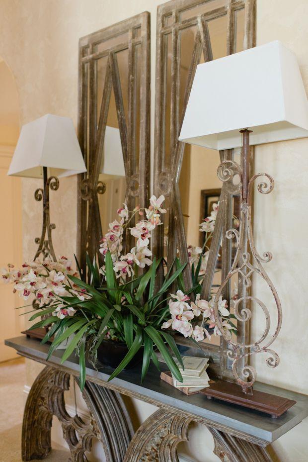 Foyer Table Floral Arrangements : New home interior design foyer flower arrangement