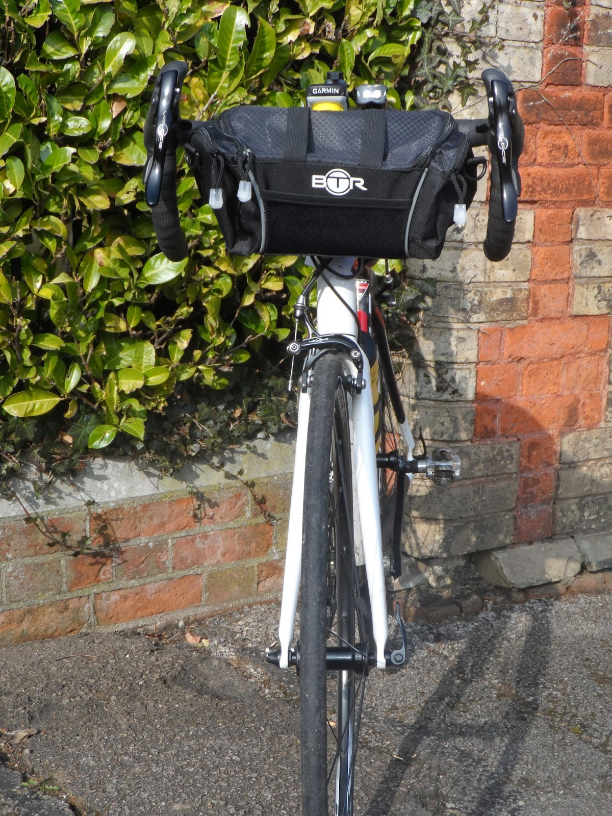 Btr Bag Sits Nicely On The Ribble Road Bike With Campagnolo Gear System And I Had No Problem Brake Levers
