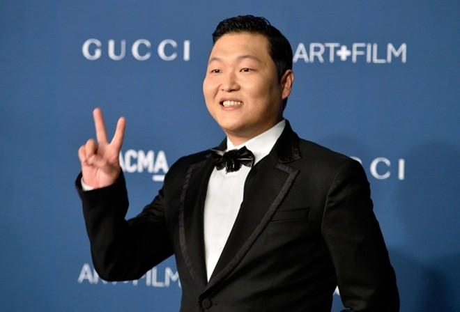 Psy và Adele: Gã hề và họa mi