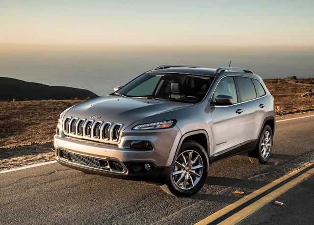 2014 Jeep Cherokee silver