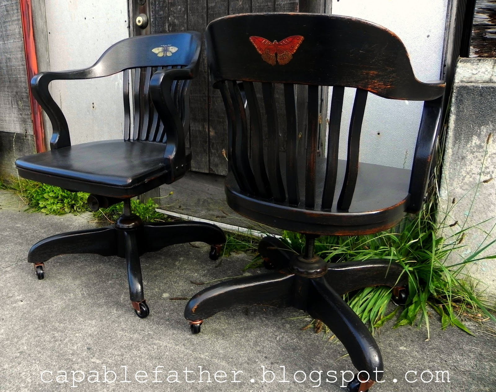 Amazing I love the mix of the natural and the industrial on the chairs its ugly beautiful Finally a hand rubbed sealer for durability