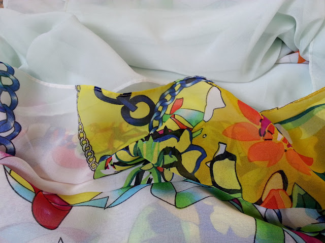 shawl chiffon 2 layer printed white