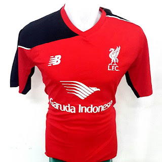 Jersey training Liverpool New Balance Garuda Indonesia terbaru musim 2015/2016 gamabr detail jersey terbaru photo kamera