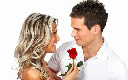 عشرة أشياء تتمنى المرأة لو يعلمها الرجل  - فتاة بنت امرأة تمسك وردة زهرة تهدى الرجل - girl holding flower