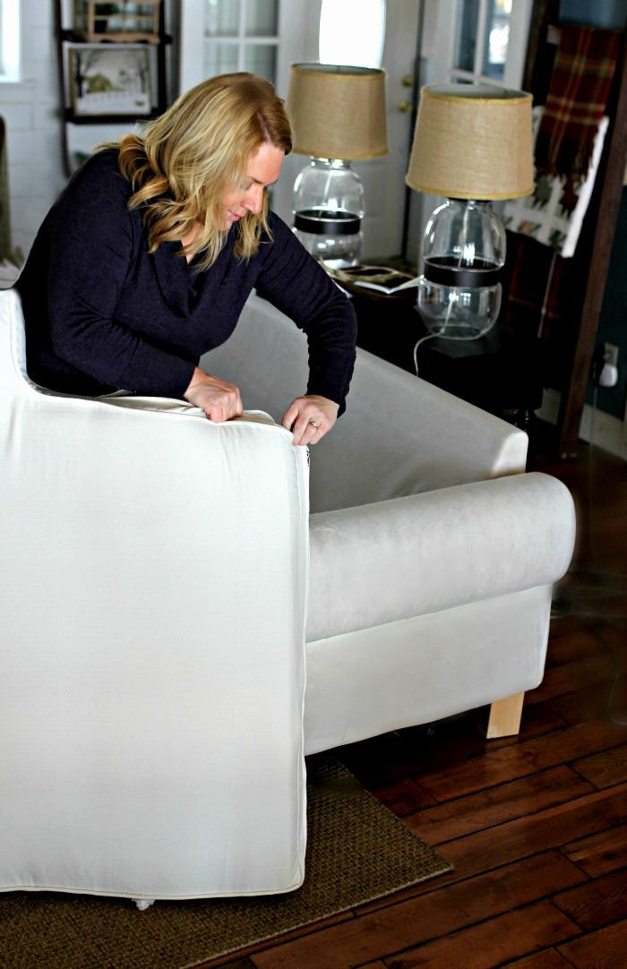 mitchell gold chester sofa