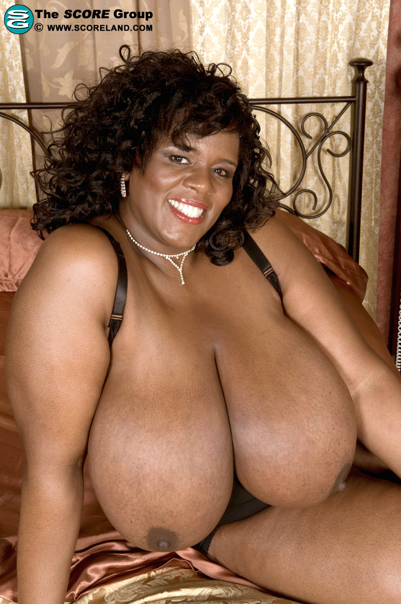 2 busty black bbw lesbians cotton candi and shanice richards 5