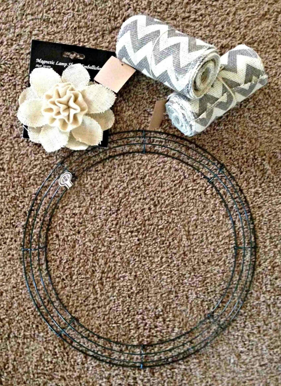 All things katie marie diy burlap wreath for Diy jute