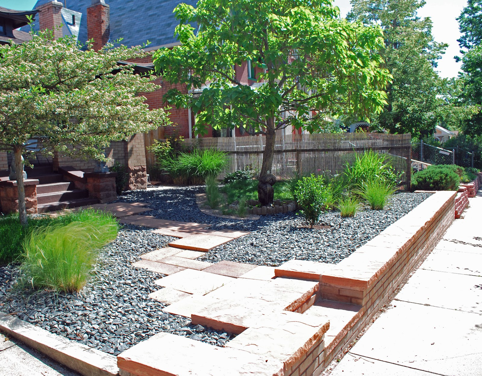 Landscape design focus low maintenance garden share bristol for Low maintenance garden design