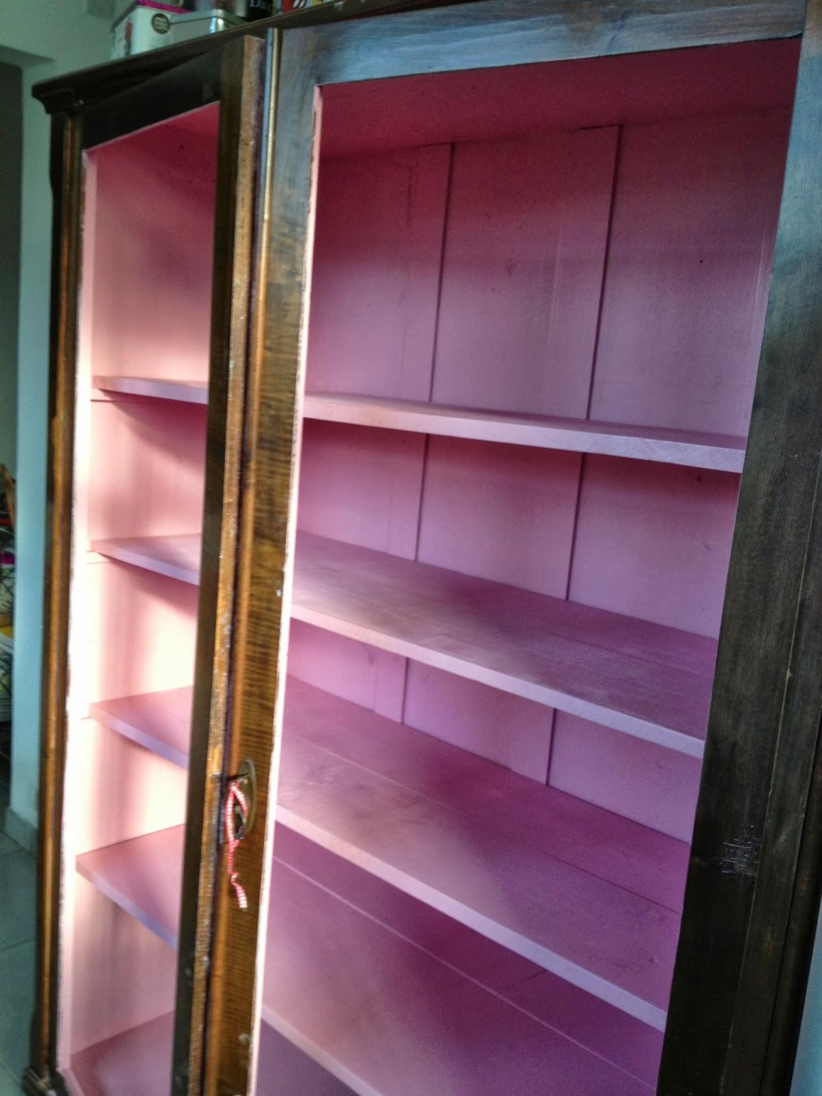 cortas tábuas de pínus na medida de dentro do armário #9E312D 1200x1600