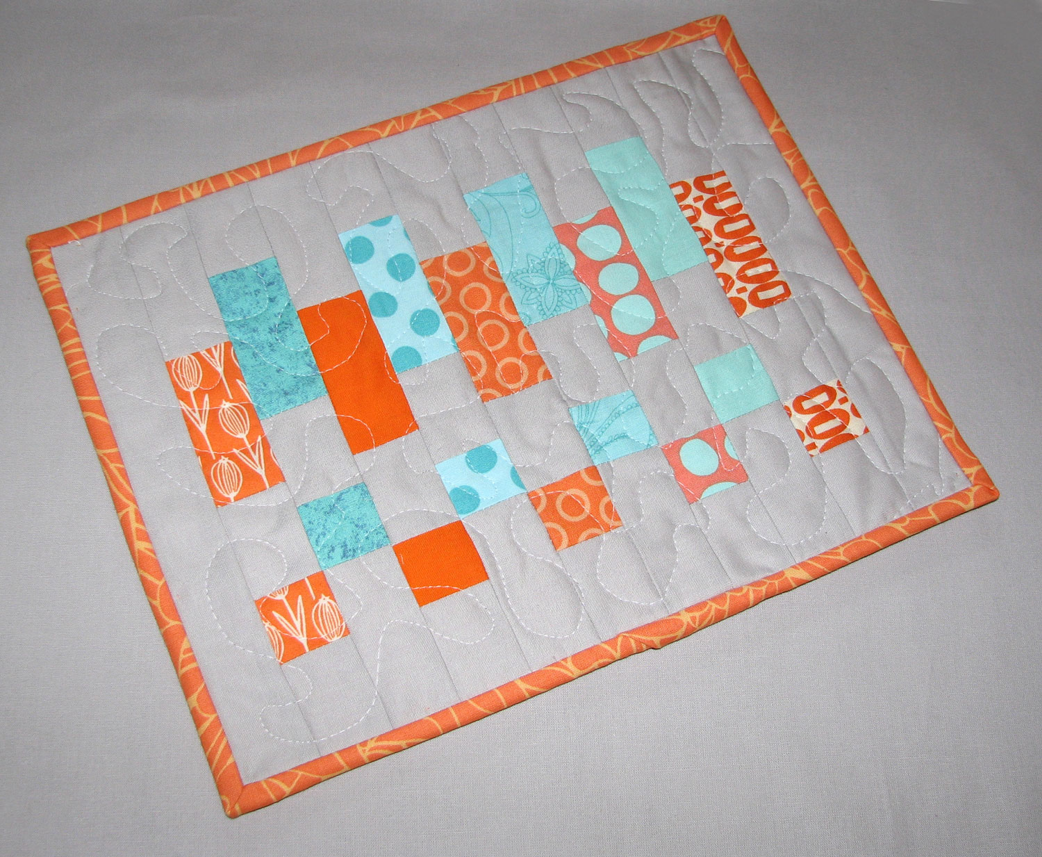 Sew Fantastic Mug Rug Tutorial Scrappy Colorblock