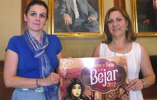 Las concejalas de educación y cultura presentan cartel de fiestas