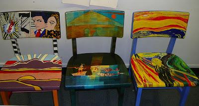 Diseño de silla de madera pintada