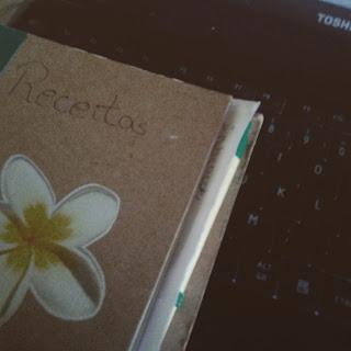 http://blogsimplethingsofmylife.blogspot.pt/2015/07/receita-7-tarte-de-pera.html