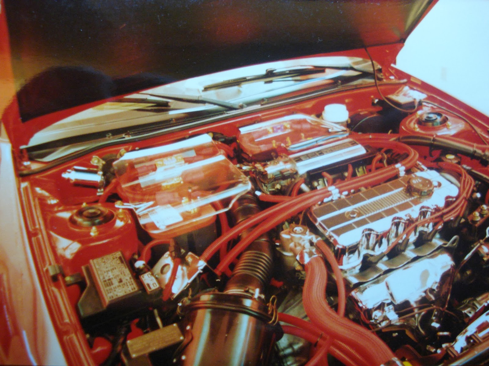 Photo image of the engine compartment of Chuck Barbosa's Red Laser as it stood during the winter storage at the end of 1995 and beginning of 1996.
