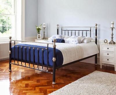 Rosette bed frame