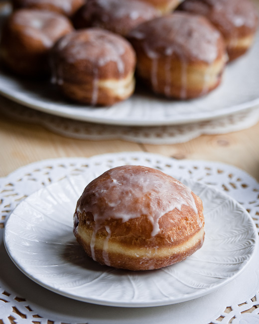 Polish doughnuts - paczki