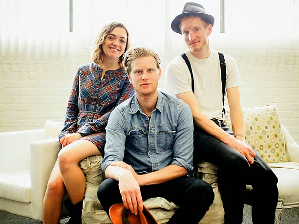 Download Lirik Gale Song Lyrics – The Lumineers