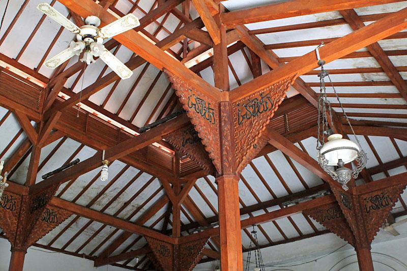 Aneka inspirasi Desain Mushola Dalam Rumah 2015 yg apik