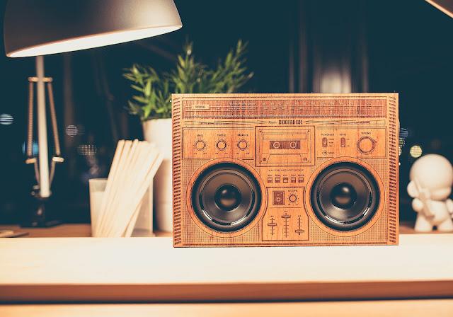 Wooden Boombox - Der Ghettoblaster aus Mahagoni | Das Gadget mit Retro-Klasse