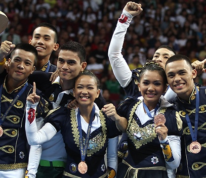 UAAP Cheerdance Competition 2013 Champion: NU Pep Squad [Photo courtesy of Rappler]