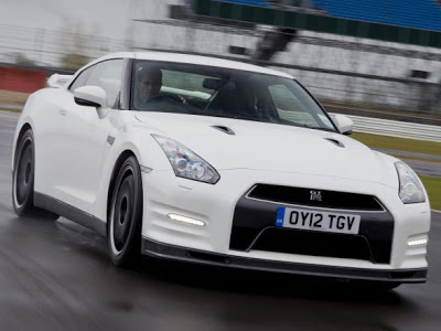 Nissan GT-R Track Pack - coches y motos 10