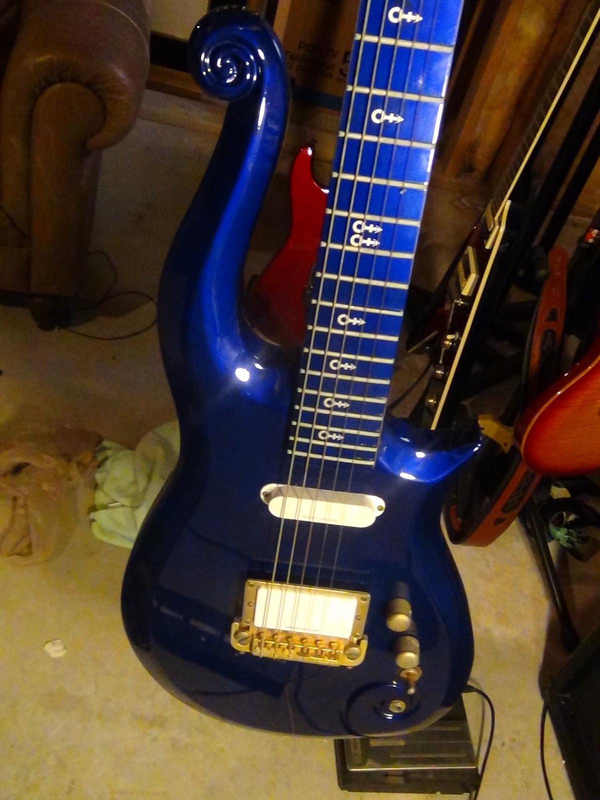 Cloud Guitar Central: Rave Blue schecter 4 Sale On ebay!