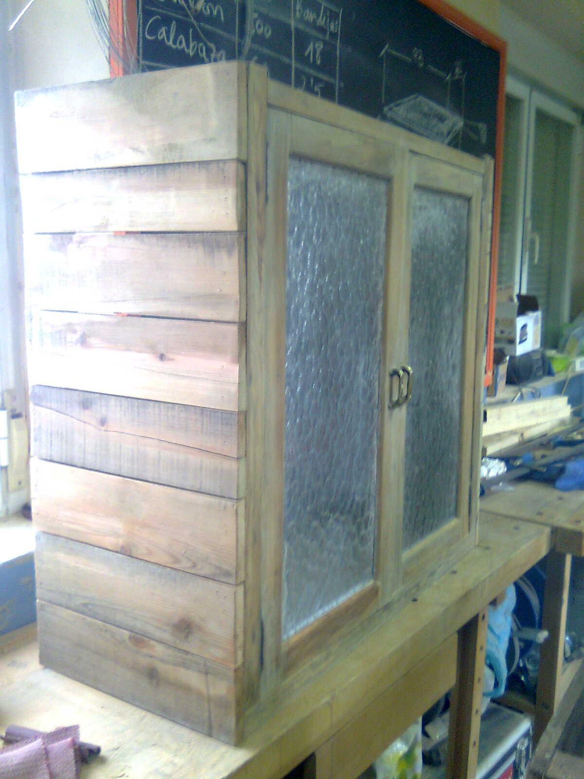 Apafam nuestra tienda muebles a medida con madera reciclada for Generando diseno muebles