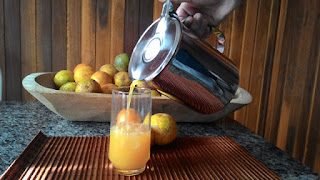 http://www.donamaricotafeliz.com/2015/06/que-tal-um-suco-de-laranja-publipost.html