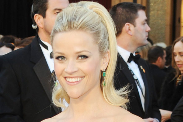 reese witherspoon oscars 2011 earrings. The Oscars {and awards season
