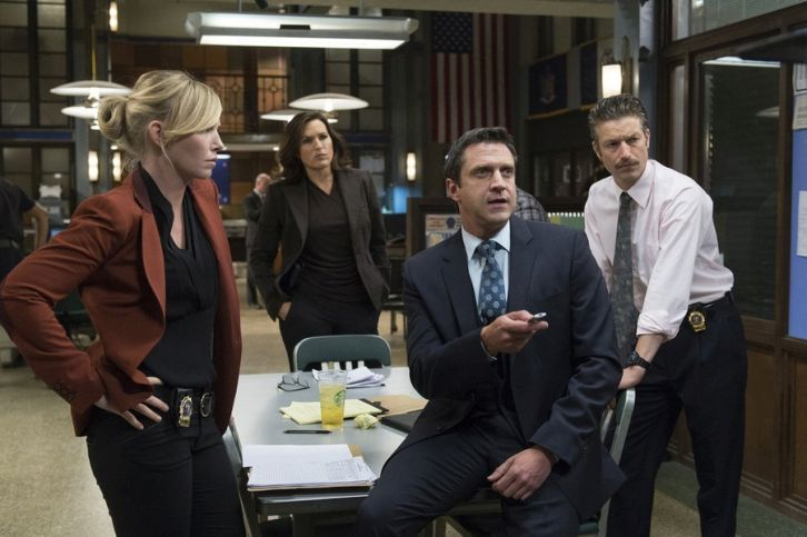 Law and Order: SVU - Episode 16.01 - Girls Disappeared - First Look Promotional Photo