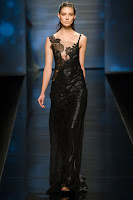 елегантна черна рокля сатен и дантела, на Alberta Ferretti