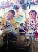 记不记得小时候那天真可爱的脸孔,笑容~