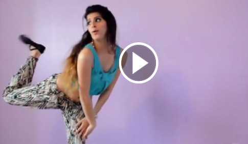 Beautiful Desi Girl Dance on Baby Doll Ma sone de