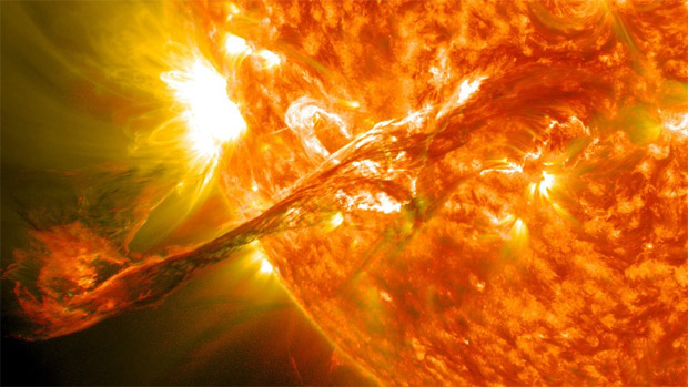 erupcion solar: