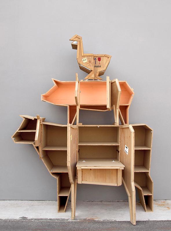 Muebles estantes de madera animales