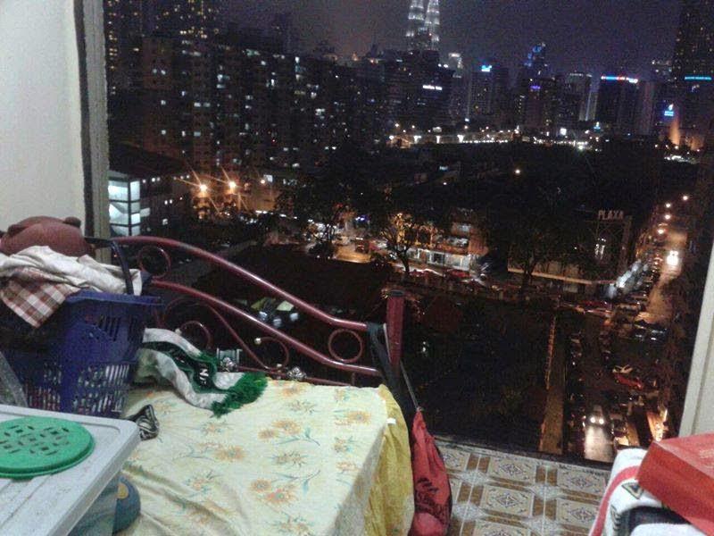 Rumah pangsa Loke Yew