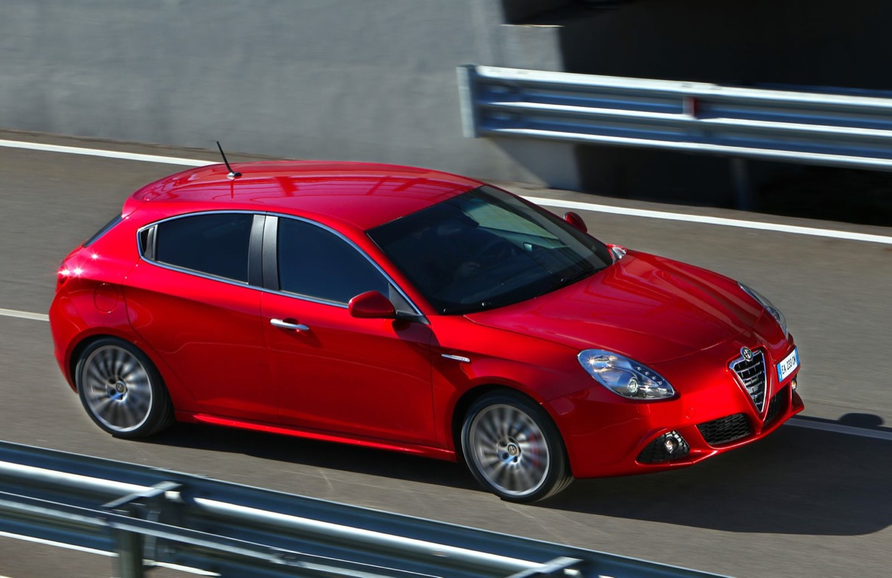 alfa romeo giulietta 2011 cars specification news. Black Bedroom Furniture Sets. Home Design Ideas