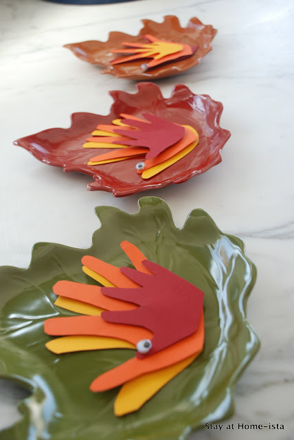 Thanksgiving place cards from multi color handprint turkeys