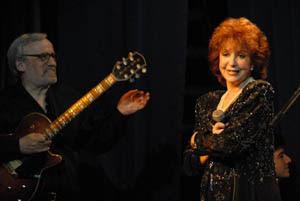 Donna Caroll y Oscar López Ruíz